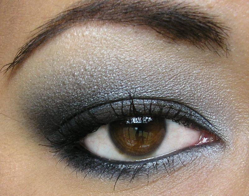 How To Do A Smokey Eye Randomly Ravishing